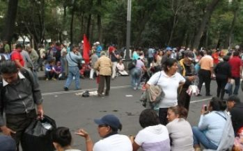 Manifestantes afectan circulación en la carretera México-Tizayuca