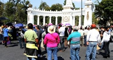 Manifestantes complican tránsito en varios puntos de la capital