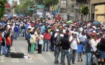 Manifestantes preparan marcha del Ángel de la Independencia al Zócalo
