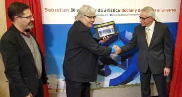 Metro celebra al escultor Sebastian por 50 años de trayectoria
