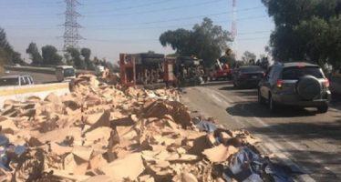 Restablecida, vialidad en autopista México-Cuernavaca tras volcadura