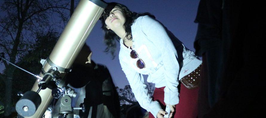 Vive una velada astronómica y observa con telescopio la nebulosa de orión, las pleyadas y el fenómeno de la luna azul