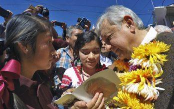 Asegura López Obrador que no privatizará el agua