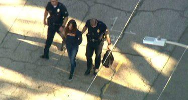 Alumna deja dos heridos en un tiroteo en una escuela de L.A.