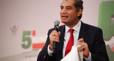 Ochoa reafirma que permanecerá al frente del PRI