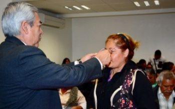 Gobierno capitalino entrega más de 500 lentes en comunidades indígenas