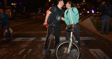 Concurrido, el paseo ciclista nocturno de la CDMX
