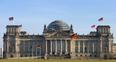 Debilitamiento de Merkel frente al auge de AfD