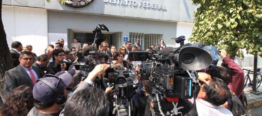 Rosario Robles acude a la PGR; se dice  inocente