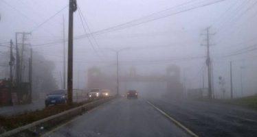 Bancos de niebla y lluvias en oriente y sureste del país este lunes