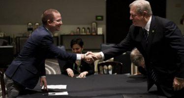 Anaya y Al Gore dialogan sobre cambio climático