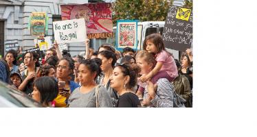 Ayuda Consulado de México a jóvenes migrantes a renovar DACA