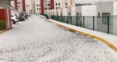 Granizo y lluvia fuerte caen en CDMX