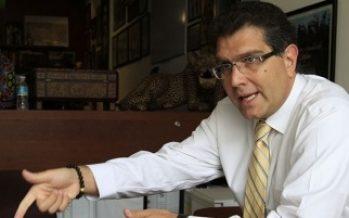 Impugna Ríos Piter rechazo del INE a su candidatura independiente