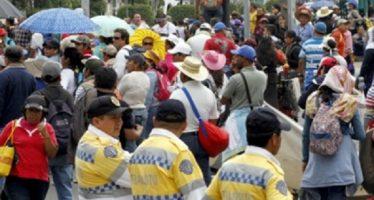 Manifestantes cierran circulación en Calzada del Hueso