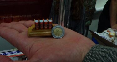 El libro más pequeño del mundo, en la FIL de Minería