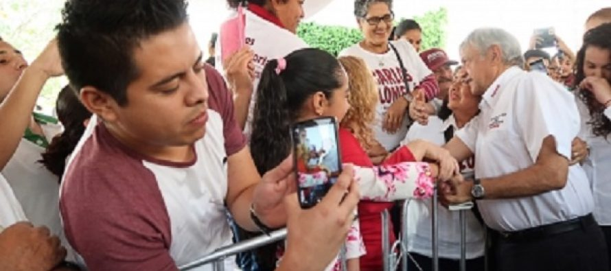 Dos nuevas refinerías tardarían tres años, dice López Obrador