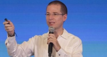 Anaya define cinco ejes para transformar al país