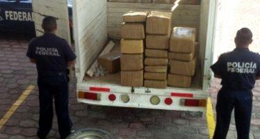 Aseguran 30 kilos de marihuana y detienen a mujer en Monterrey