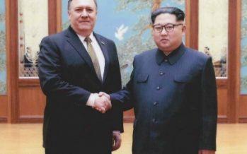 Casa Blanca difunde fotos de Mike Pompeo con Kim Jong-un