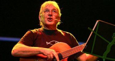 """Luis Pescetti invita a cantar """"Una que sepamos todos"""" en el Teatro de la Ciudad Esperanza Iris"""