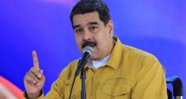 Maduro considera ilegal propuesta de dolarizar economía venezolana