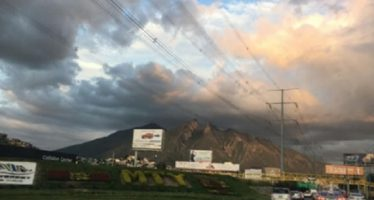 Emiten recomendaciones en Nuevo León por mala calidad del aire
