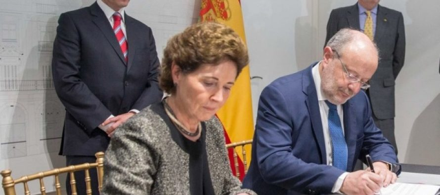 Peña Nieto firma acuerdo para promover lengua española