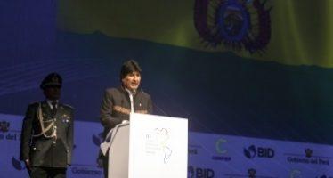 """""""Son tiempos de paz y no de muros"""" Evo Morales"""