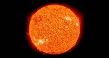 NASA muestra al Sol en tres longitudes de onda diferentes
