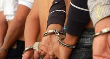 Cuatro personas detenidas en la CDMX por robo a transporte público