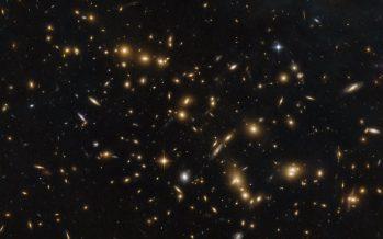El Hubble capta un masivo grupo de galaxias