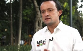 Mikel Arriola ofrece rehabilitar mercados públicos capitalinos