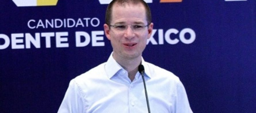 Ricardo Anaya, de gira por Mérida, se prepara para el tercer debate