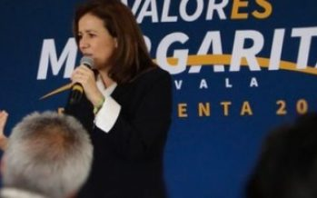 Sorprende sismo a Zavala en su reunión con empresarios
