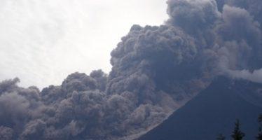 Aumenta a 62 número de muertos por erupción del volcán de Fuego