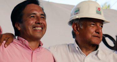 Cuitláhuac García promete rehabilitar carreteras en Veracruz