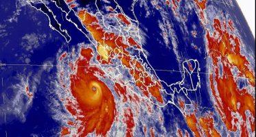 Huracán Bud se intensifica a categoría 4