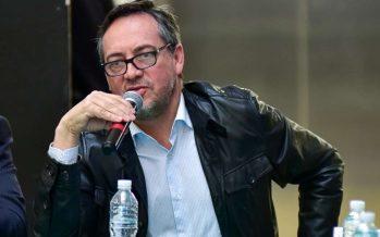 Morena denuncia supuesto reparto de tarjetas del Frente ante INE