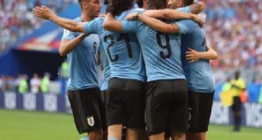 Uruguay le pega 3-0 a Rusia y termina como líder del Grupo A