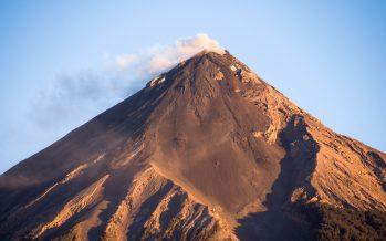 Alerta por descenso de lahar del Volcán de Fuego