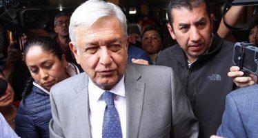 López Obrador se reúne en privado con sus colaboradores