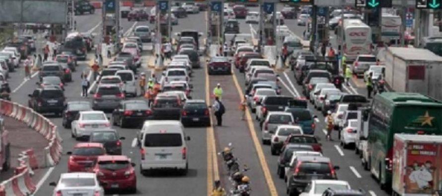 Afectan bloqueos intermitentes a la autopista México-Cuernavaca