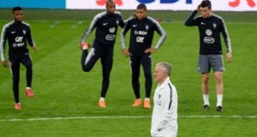 "Beckenbauer da bienvenida a Deschamps al ""club de tres"""