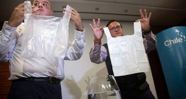 Crean bolsas de plástico, solubles en agua y que ¡no contaminan!