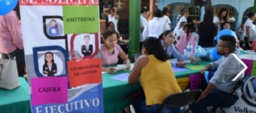 Bolsa de trabajo realiza feria de empleo en la Ciudad de México