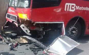 Al menos 10 heridos por choque de Metrobús