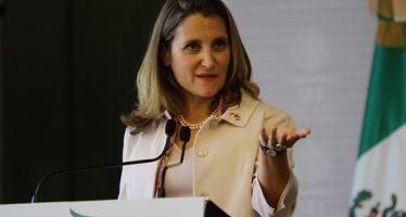 Peña Nieto dialoga en Los Pinos con ministra canadiense
