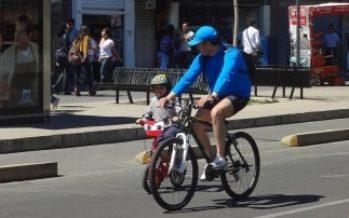 Cientos de deportistas participan en Ciclotón en avenidas capitalinas