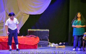 """La puesta en escena """"Faranduleros"""" se está presentando en el Teatro Enrique Lizalde"""